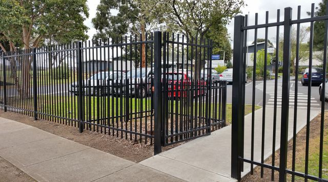 Chainmesh Cyclone Tubular School Fencing Melbourne Sas